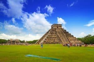 Kukulkan pyramid in Chichen Itza, Yucatan